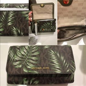 Michael Kors Brown Green leaves Pouchite NWT
